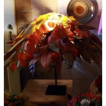 Высота 65 см. Диаметр 80 см. Состав: ветки и листья осины и бука (стабилизированы, т.е. не теряют цвет, форму, не облетают) коробочки физалиса. Диодная лампа (срок свечения - длинный) Опора металлическая черная.