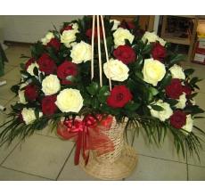 Большая корзина из роз с доставкой купить в екатеринбурге подарок на день рождения 8 марта день валентина