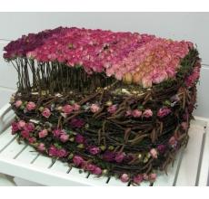Композиция из сухоцветов, веток. Ширина 40 см