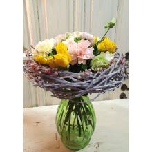 Букет на флористическом каркасе из веток березы, ягод, воска. Состав: кустовые розы, сортовые персиковые и лимонные гвоздики, эустома, рускус, лента.