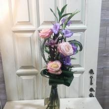 букет гладиолус и розовая роза