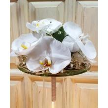 Букет невесты на авторском портбукете со стеклянной манжеткой. 9 фаленопсисов, эвкалипт, гипсофилла.