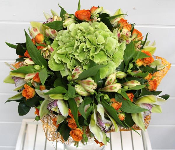 Букеты из кустовой зеленой розы фото, подскажите где лучше покупать цветы оптом в омске